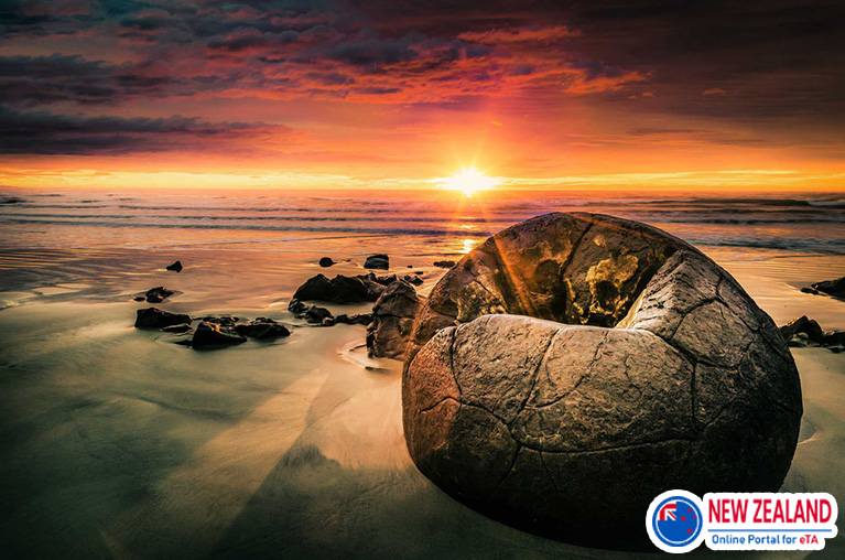 Moeraki-boulders-South-New-zealand