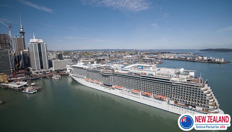 Cruise-passengers-to-New-Zealand