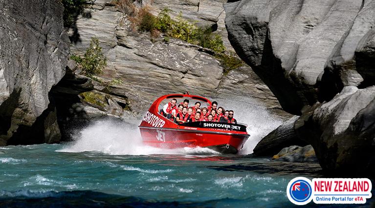Jet_Boating_on_the_Shotover_River